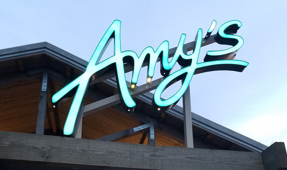Amy's Fast Food - sign